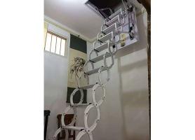 半自动伸缩楼梯