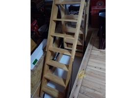 实木折叠式楼梯